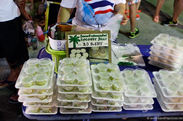 Koh Samui, Lamai night market coconut jelly
