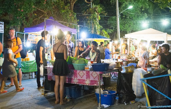 The Lamai night market food festival