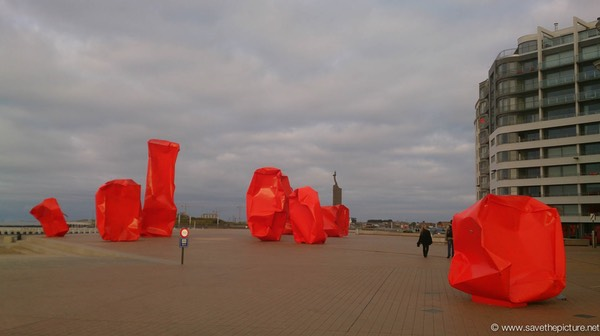 Ostend Art in Red onthe boulevard