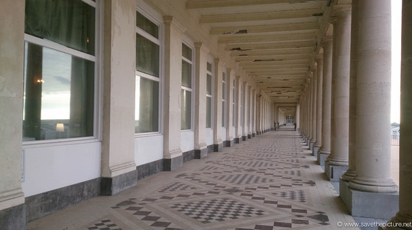Ostend Thermae Palace promenade
