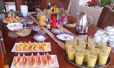 TheFeel-foodies-by-Nadja-Kotrchova,-healthy-breakfast-at-Casa-gazebo-Zenmax-retreats