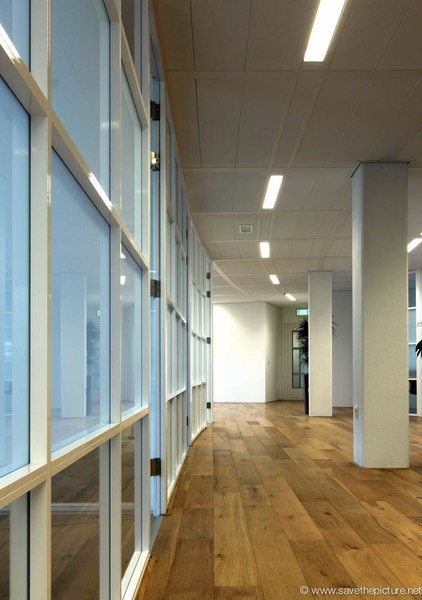 Transpolis Hoofddorp offices in glass